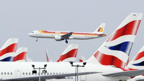 International Airlines Group generará 400 millones en sinergias anuales. | Reuters