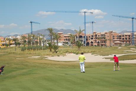 Un campo de golf en uno de los residenciales de Polaris World. | Javier Adán