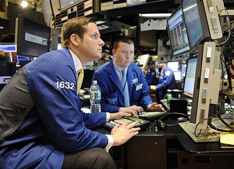 Operadores en la Bolsa de Nueva York. | AP