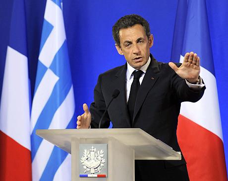 El presidente francés, tras la reunión extraordinaria del viernes. | Efe