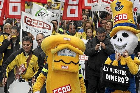 Protesta de los trabajadores de Correos contra la privatización. | Juanjo Martín
