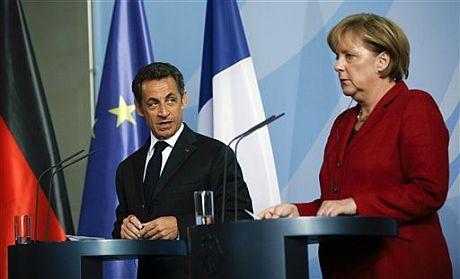 El presidente francés, Nicolas Sarkozy, y la canciller alemana, Angela Merkel.   AP