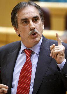 El ministro de Trabajo e Inmigración, Valeriano Gómez. | Efe