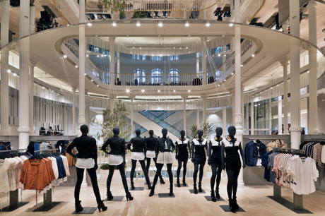 Zara inaugura su tienda número 5.000 7bf69d22563