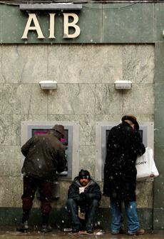 Una oficina del Allied Irish Bank, una las entidades que ha sido nacionalizada durante la crisis irlandesa. | AP