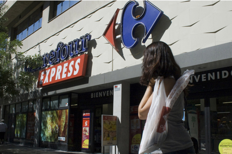 Centro de la cadena francesa Carrefour en Madrid.   Marta Arias