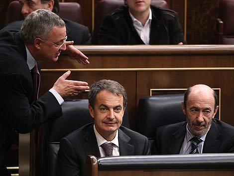 Caldera, Zapatero y Rubalcaba, en un pleno del Congreso de los Diputados. | Bernardo Díaz