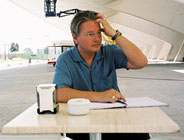 El escritor de ciencia fícción Bruce Sterling