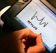 La pantalla táctil es una de las características principales de Origami. (Foto: AP)