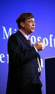 El presidente de Microsoft, Bill Gates, en el 'Foro de Líderes de Gobierno' en McLean (EEUU). (Foto: EFE)