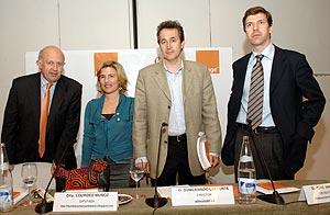 De izquierda a derecha, Manuel Gimeno, Lourdes Muñoz, Gumersindo Lafuente y José Manuel Cerezo. (Foto: elmundo.es)