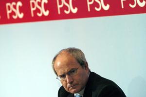 El ministro José Montilla, durante el anuncio de la nueva ley. (Foto: EFE)