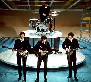 Los cantantes del mítico grupo en una de sus actuaciones en 1964. (Foto: AP)