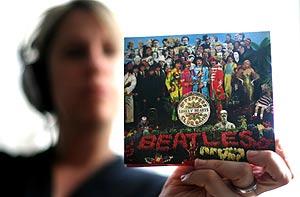 Portada del disco 'Sgt. Peppers Lonely Hearts Club Band', que cumple 40 años. (Foto: AFP)