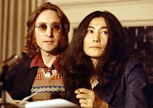 John Lennon y Yoko Ono en una foto de 1973. ( Foto: AP ).
