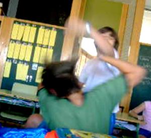 La difusión del acoso escolar a través de Internet y móviles afecta también a otros países. En la imagen, un caso español. (Foto: EL MUNDO)