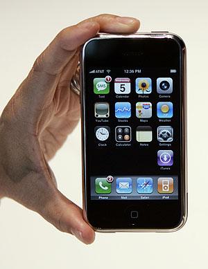 El iPhone. Imagen tomada en una presentación en San Francisco. (Foto: AP)