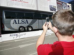 Presentación de los nuevos autobuses. (Foto: Alsa)