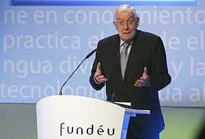 Víctor García de la Concha, presidente de la Fundéu y director de la RAE, en la presentación de la Wikilengua. (Foto: EFE)
