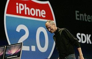 Steve Jobs, en la presentación. (Foto: REUTERS)