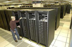 Imagen del superordenador 'Roadrunner'. (Foto: IBM)