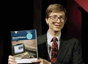 Bill Gates presenta Windows en 1990. (Foto: AP)