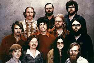Imagen de 1978 de los fundadores de Microsoft. Un jovencísimo Bill Gates es el primero por la izquierda, parte inferior. (Foto: AP)