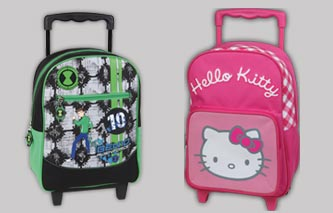 SET VUELTA AL COLE, HELLO KITTY Y BEN10 ALIEN FORCE