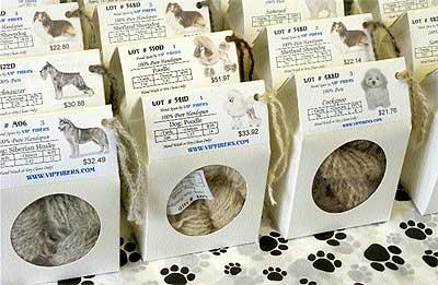 Con pedigrí. Múltiples variedades de ovillos de lana de perro de la empresa VIP Fibers, pionera en comercializar este tipo de pelo de mascotas.