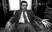 Reinaldo Rodríguez, posando en la que hasta diciembre será la sede de la CMT en Madrid./ BEGOÑA RIVAS