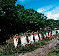 PUEBL0 CEMENTERIO. Apenas se recuperaron unos centenares de cadáveres.El pueblo, arrasado, fue declarado camposanto y así sigue.