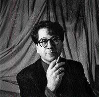 Pose. Imagen de 1992 que muestra uno de sus viejos convencimientos: fumar le parecía bonito.