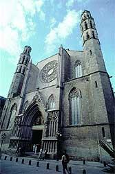 Fachada. La catedral abrió sus puertas en 1379.