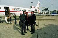 5:20 Heathrow. Con el embajador Carlos Miranda.