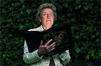 """Defensora. Isabel Gómez-Acebo, autora de """"Las mujeres en los orígenes del cristianismo"""" (Desclée de Brower, 2005), es una de las teólogas que quieren recuperar la figura de la Magdalena."""