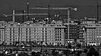 Obras en varios edificios del PAU de Sanchinarro. / PEDRO CARRERO