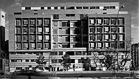 Edificio de viviendas de protección oficial en San Fermín Oeste, Usera. / EL MUNDO