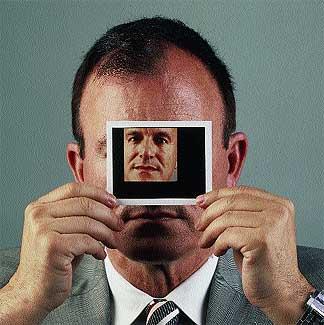 El experto. El morfopsicólogo Julián Gabarre, 59 años, describe aspectos íntimos de la personalidad con sólo mirar el rostro.