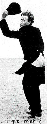 En la imagen, el dramaturgo Albert Boadella en una playa del sur de Francia, en 1978, y poco tiempo después de haber escapado de prisión.