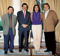 Losantos y Luis Herrero con el matrimonio Aznar en la Moncloa. / ARCHIVO DEL AUTOR / COPE