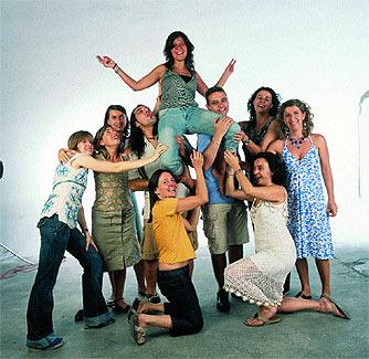 Mónica, profesora de 35 años, y sus nueve amigos.