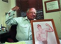 Stanley Biber, cirujano. / EVAN SEMON / ROCKY MOUMTIN NEWS