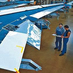 Las mayores irregularidades se han detectado en los trabajos de inspección y supervisión en el mantenimiento de los aviones. / PLUS PIX