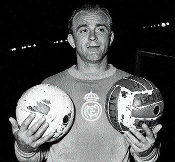 1956. Di Stéfano posa en París un año después de ganar su primera Copa de Europa con el Real Madrid.