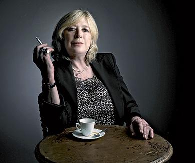 La cantante y actriz en una imagen tomada en París en diciembre de 2005, antes de comenzar su lucha contra el cáncer.