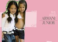 Una imagen polémica. El anuncio, con el que la firma Armani publicita en internet su línea de ropa júnior, ha sido denunciada por el Defensor del Menor de Madrid, por 'fomentar el turismo sexual'
