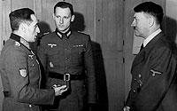 Muñoz Grandes (izq.) con Hitler y un intérprete. / FDA