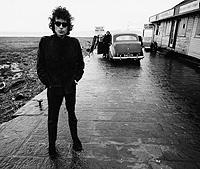 Bob Dylan. El músico con sus Ray-Ban Wayfarer.
