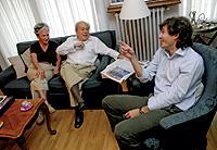 Junto a su esposa, Marta Ferrusola y su hijo menor, Oleguer.