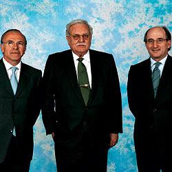 De izquierda a derecha Isidro Fainé, Ricardo Fornesa y Antonio Brafau